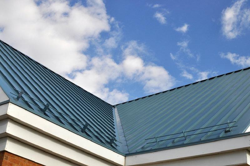 Bevorzugt Vor- und Nachteile eines modernen Blechdachs | www.bauwohnwelt.at GQ92