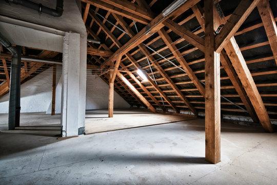 dachausbau so nutzen sie den raum unter dem dach sinnvoll. Black Bedroom Furniture Sets. Home Design Ideas