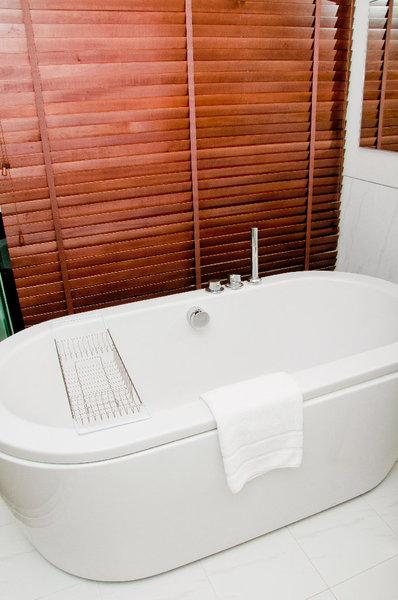 badewanne austauschen das m ssen sie beachten. Black Bedroom Furniture Sets. Home Design Ideas