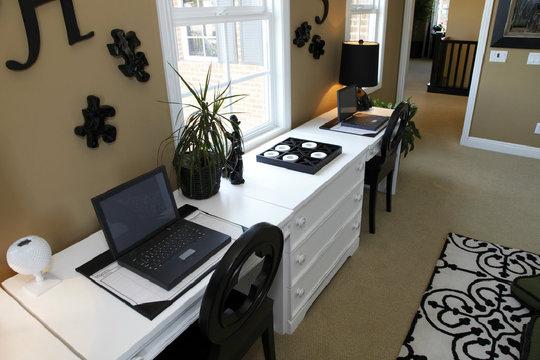 arbeitszimmer einrichten was bei der gestaltung zu. Black Bedroom Furniture Sets. Home Design Ideas