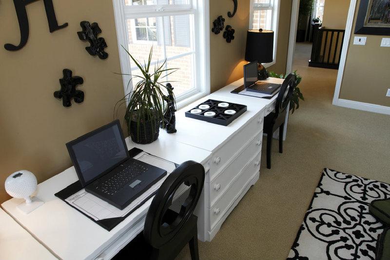 arbeitszimmer einrichten was bei der gestaltung zu beachten ist. Black Bedroom Furniture Sets. Home Design Ideas