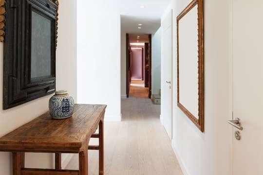 perfekte tipps f r schmale flure. Black Bedroom Furniture Sets. Home Design Ideas
